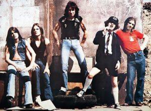 Bandas que honran (¿copian?) a AC/DC
