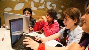 Cómo cerrar la brecha de género a partir de la tecnología