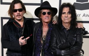 The Hollywood Vampires le rinde homenaje a David Bowie