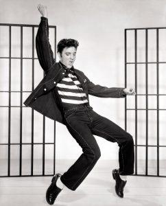 ¡Alemania estrenó semáforos de Elvis!