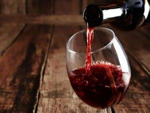 De vinos y rock: Bandas que lanzaron su propia línea de bebidas alcohólicas