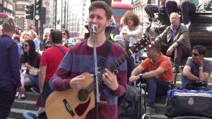 #LaVidaQueNosGusta: El joven que conquistó Londres como músico callejero
