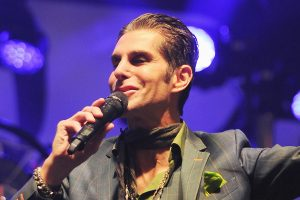¡Felices 60 Perry Farrell!