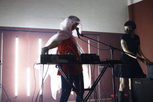 Feminoise Latinoamérica: experimentando con sintetizadores