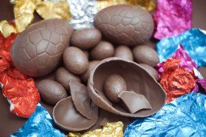 Pascuas: cómo hacer huevos en casa