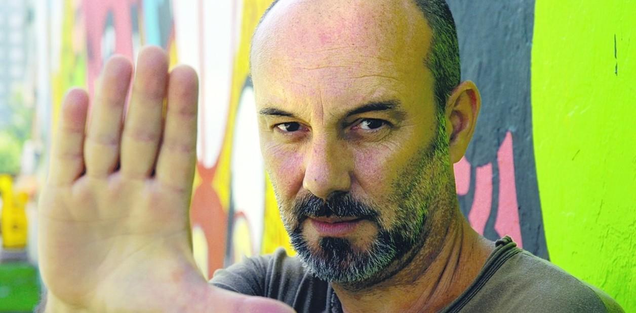 """#LosLibrosDeAle: """"La / Iris / Construcción"""" de Sergio Bizzio - Radio Cantilo"""