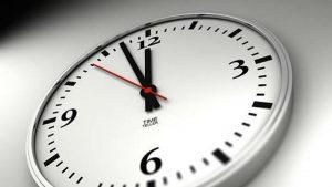 Vaso medio lleno, vaso medio vacío: el tiempo y sus (h)usos