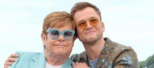 Elton John y Taron Egerton compartieron escenario