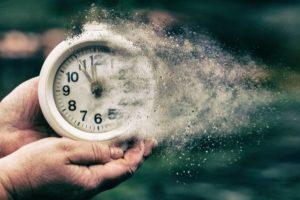 Vaso medio lleno, vaso medio vacío: resistir al paso del tiempo