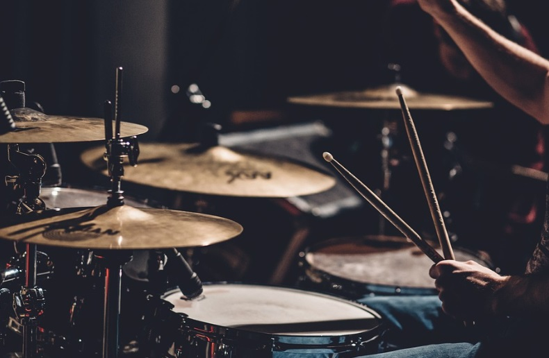 Dos bateristas que cumplen - Radio Cantilo